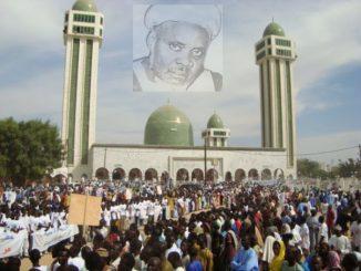 La mesure d'interdiction des rassemblements publics, qui avait été décidée par Aly Ngouille Ndiaye et qui est réactivée par son successeur, Antoine Diome, n'est pas du goût de la communauté tidjane de Léona Niassène (Kaolack). Par la voix de l'imam Mouhamed Ibrahima Niasse, Léona Niassène a fait savoir que la ziarra annuelle dédiée à Mame Khalifa Niasse sera célébrée à date échue. L'imam de la Grande Mosquée de Léona Niassène a ajouté que c'est par considération à l'égard du président Macky Sall, que l'édition de l'année dernière avait été annulée, mais que celle prévue le 13 mars prochain sera tenue. En faisant cette annonce, Mouhamed Ibrahima Niasse a prévu que Léona Niassène a déjà pris sa décision.