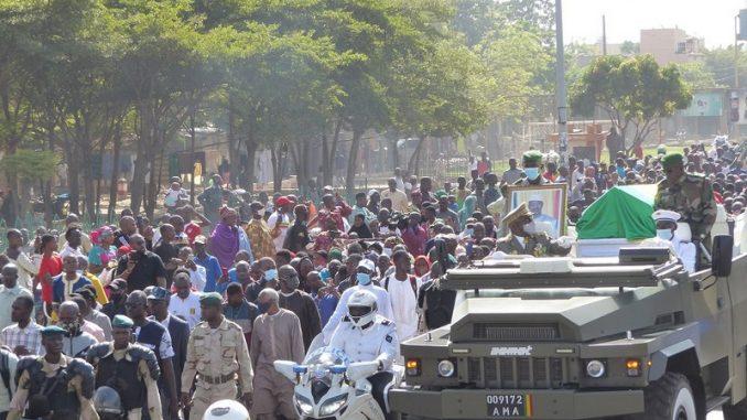 Cortège funèbre du Général ATT: le peuple malien a rendu hommage à son président